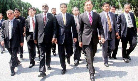 Anwar and Pakatan MPs