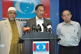 Anwar with Hadi and Kit Siang