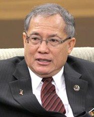 barisan nasionals Get the latest viral stories daily like us: with the pakatan harapan government in place, many high-ranking officials and directors have offered their resignations.