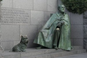 2679236-fdr-statue-at-fdr-memorial