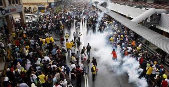 Image result for Nik Nazmi and Din Merican at Bersih 1.0