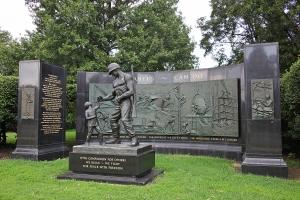 Seabee_Memorial_-_looking_NW_-_Arlington_National_Cemetery_-_2011