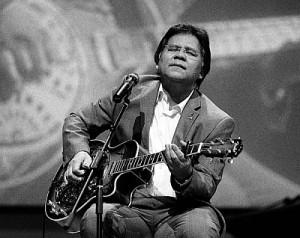 Guitar Playing Singer Idris Jala