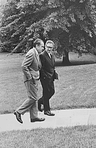 19710810-nixon-kissinger-sm