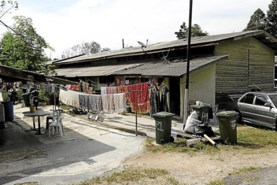 Damai Kiaramas was set up in early 2009 to provide a long-term solution for the former estate workers living on prime land of currently TTDI after their estate was closed down 32 years ago.