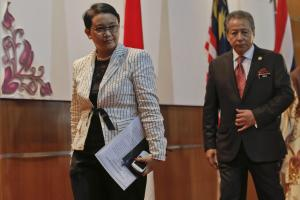 South-East-Asian-ministers-meet-in-Malaysia-over-boat-people-cris