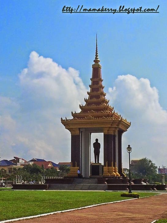 Statue of King Sihanouk