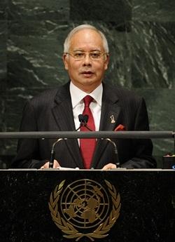 Malaysia's Prime Minister Dato' Sri Mohd Najib Bin Tun Haji Abdul Razak addresses the 65th General Assembly at the United Nations headquarters in New York, September 27, 2010. AFP PHOTO/Emmanuel Dunand