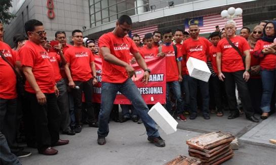 Red Shirt Malays